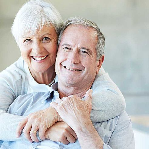 Laughing senior couple | Protefix